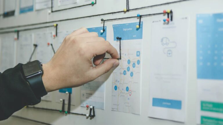 UIUX designer, what is UI UX designer ,What exactly does a UX/UI designer do ? What's the difference between UI and UX ?, Why do you need a UI UX Designer , UI/UX Designer responsibilities